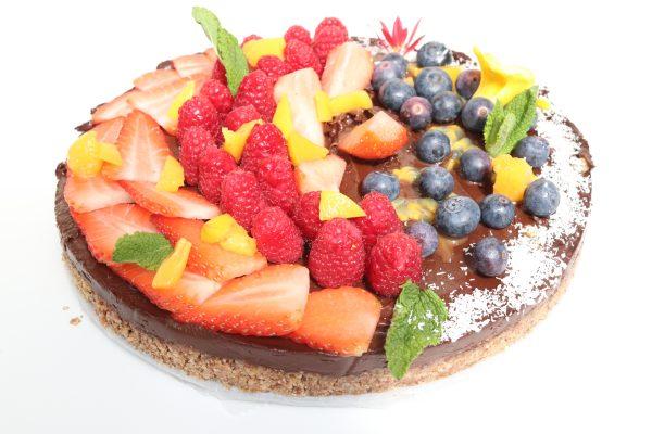 yummy chocolate raw cake